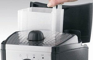 Simple to clean thanks to a removable 35-ounce water tank